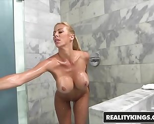 Realitykings - milf hunter - (alexis fawx, brad hart) - fierce fawx