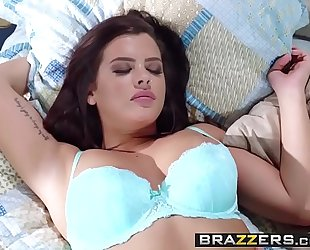 Brazzers.com - hawt and mean - (karlee grey) - were roommates for a reason