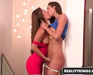 Realitykings - we live jointly - (eva lovia, vivie delmonico) - fur pie magnet