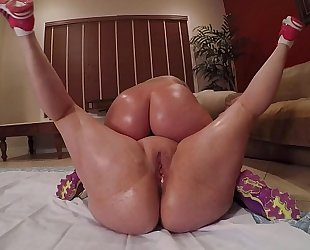 Wrestling pawgs marcy diamond & virgo large butt acquires pummeled at the end
