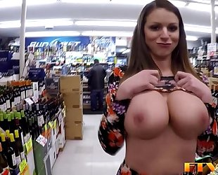 Busty milf toys love tunnel