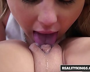 Realitykings - we live jointly - (lily rader, naomi woods) - betwixt her legs
